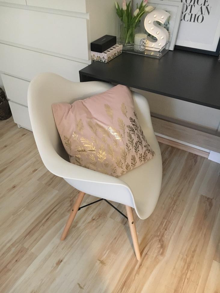 Der neue Stuhl ist da - EAMES DAW